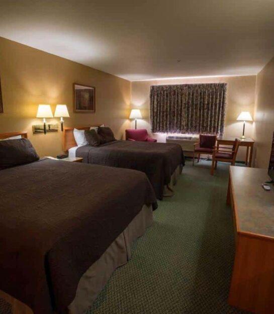 Queen Suite, Eagle's View Inn & Suites