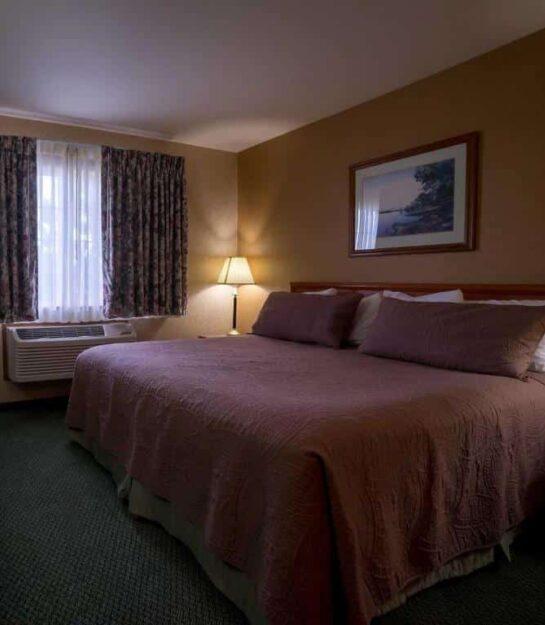 King Suite, Eagle's View Inn & Suites
