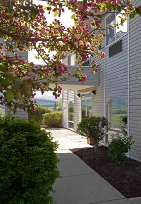 About, Eagle's View Inn & Suites