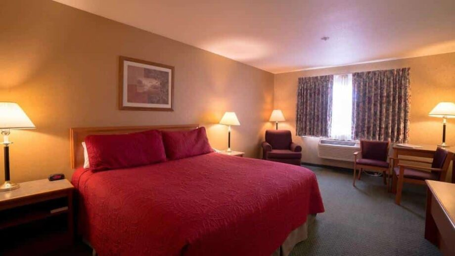 Rooms, Eagle's View Inn & Suites